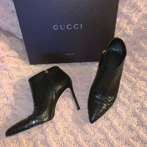 Auth GUCCI black python Snakeskin 🐍 ankle booties